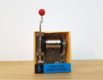 caixa de música realejo uma casa portuguesa amália rodrigues