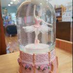 15028 globo bailarina swan lake snowglobe