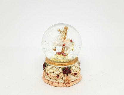globo de neve cavalo carrossel
